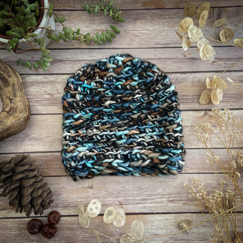 Finger-knitted Hat -Kamala- Blue
