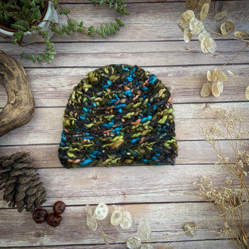 Finger-knitted Hat - Sushma - Green