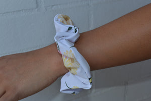BEE YOURSELF Scrunchies