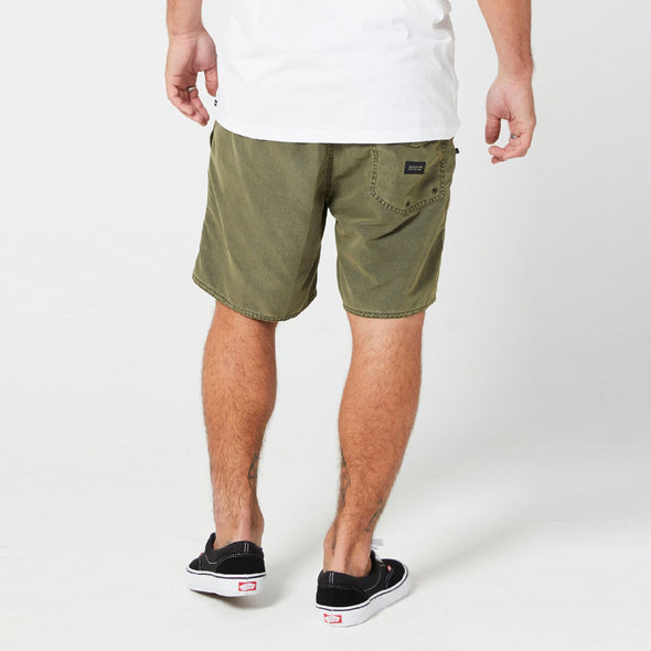 VOLCOM Center 17 Trunks