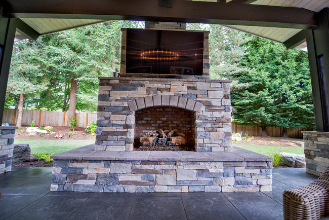 Echo Ridge Outdoor Fireplace