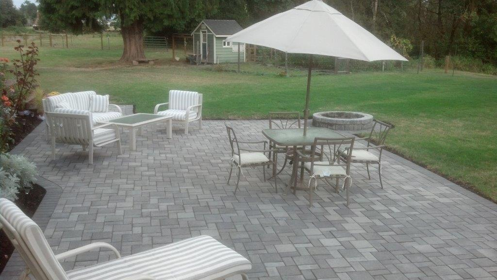 DOUBLE HOLLAND PAVER CONCRETE PAVER