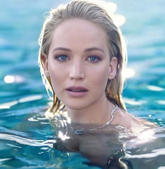 Jennifer Lawrence bikini pictures and her something you want to know
