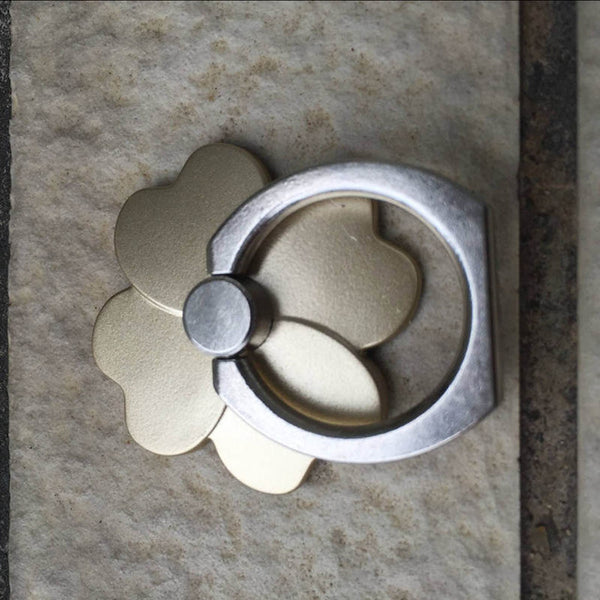 Four Leaf Clover Ring Phone Grip