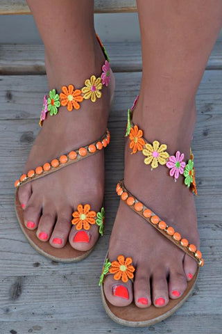 Colorful Flower Embellished Toe Ring Flat Sandals
