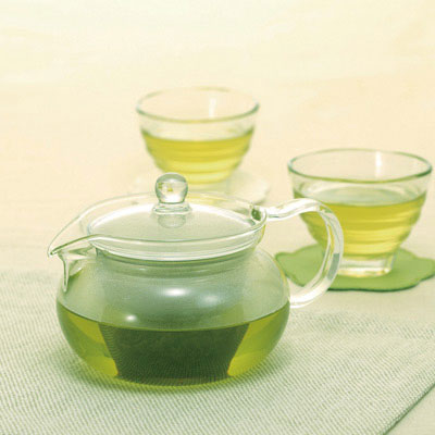 Hario Glass Teapot With Strainer from Filter - Lifestyle Image