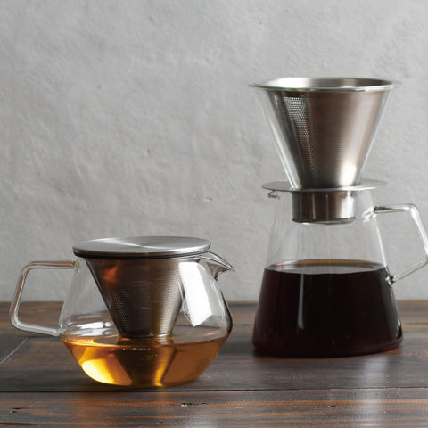 Kinto Carat Teapot w/ coffee from Filter - Lifestyle Image