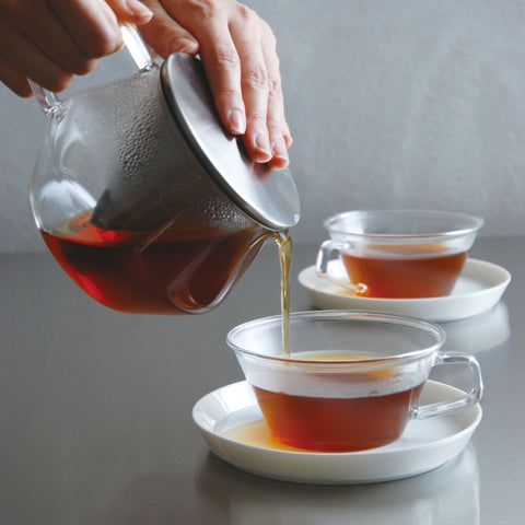 Kinto Carat Teapot with cups from Filter - Lifestyle Image