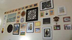 Gallery Wall Do's and Don't