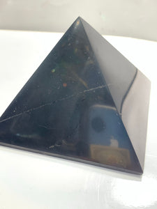 Shungite pyramid Medium