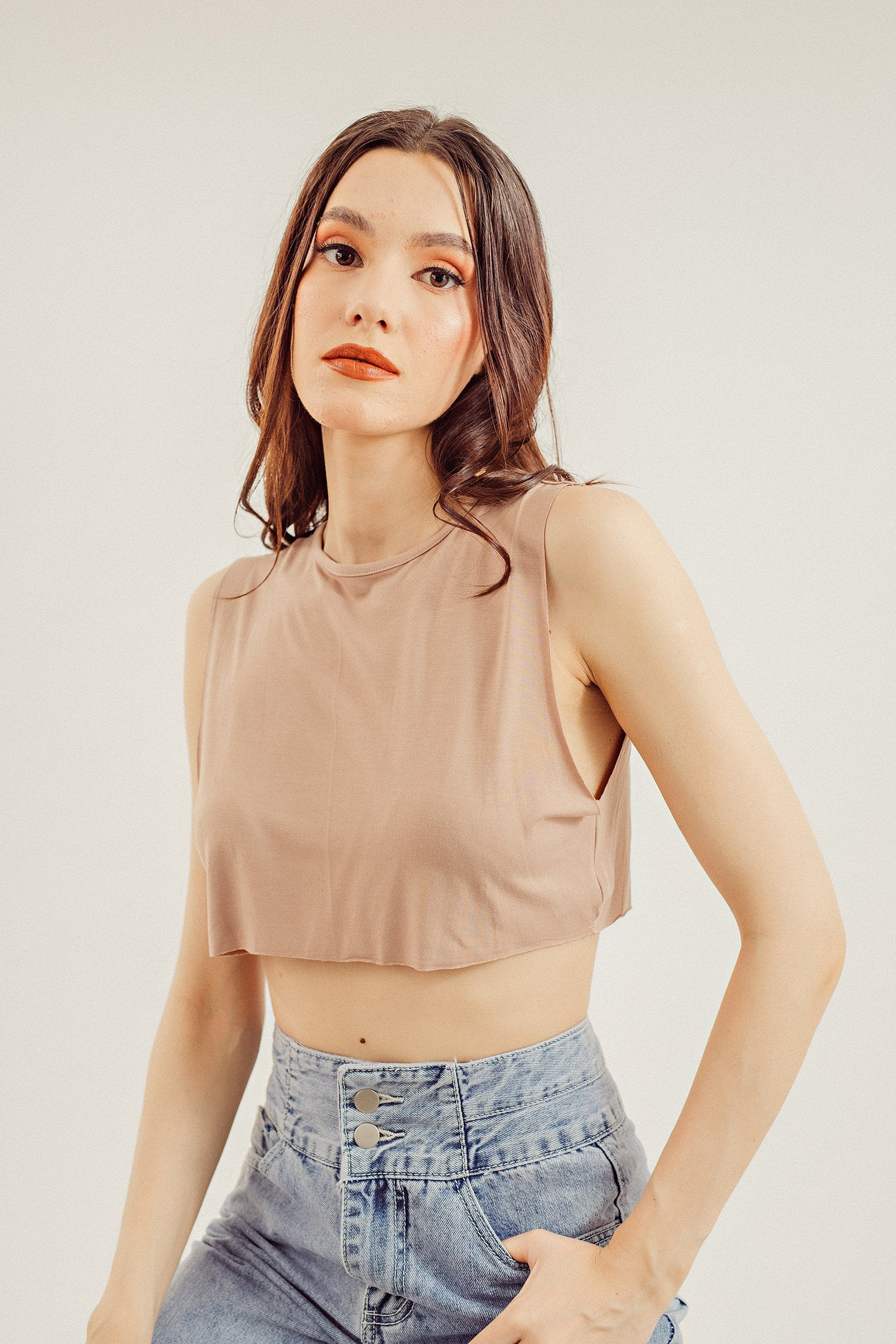 Devina Basics Solid Crop Tank Top