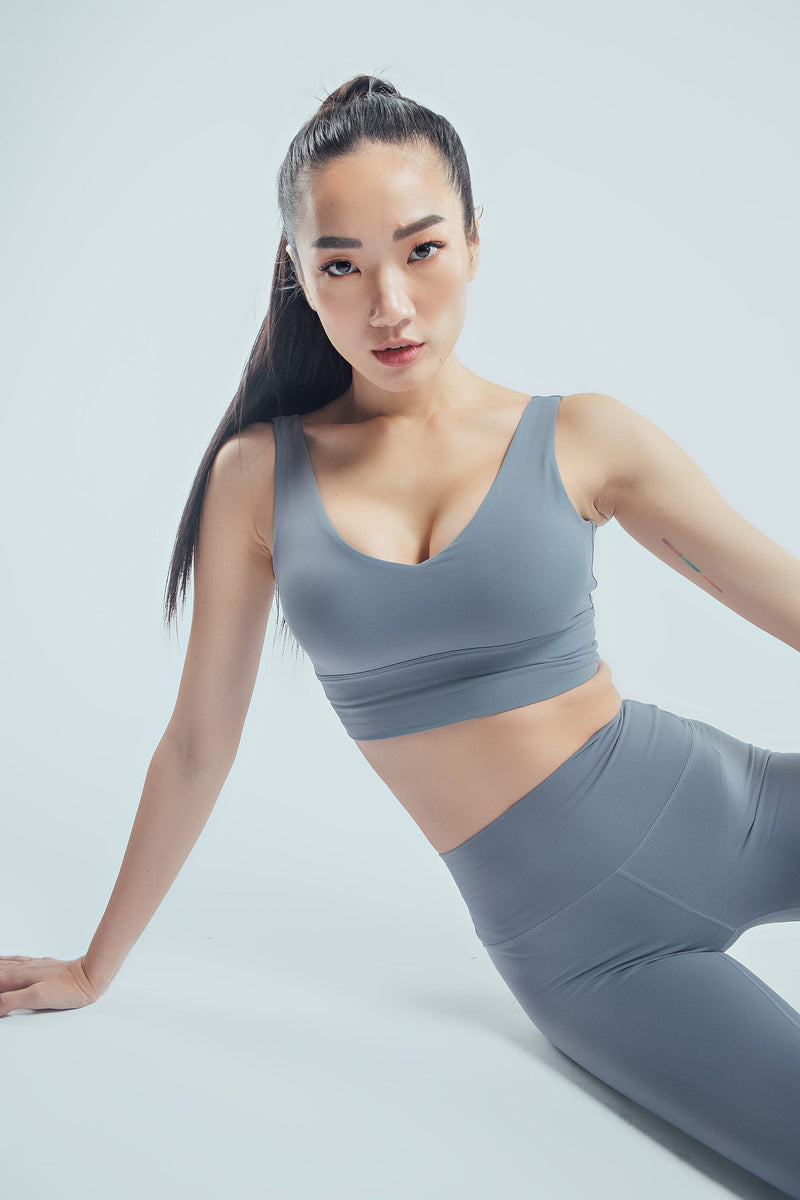 Ultra Seamless V Neck Crop Top
