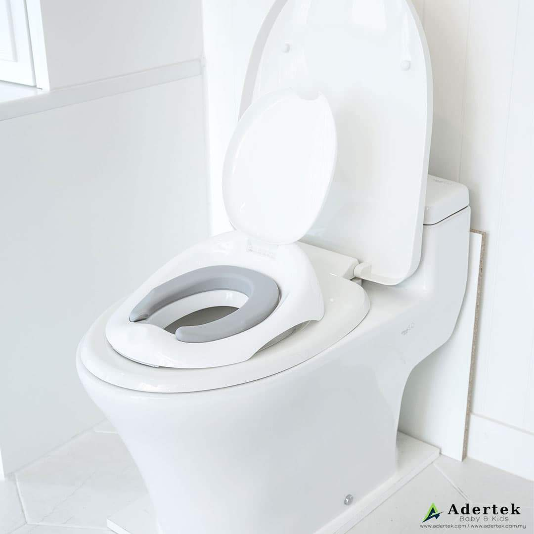 Comfortable potty seat for little bum