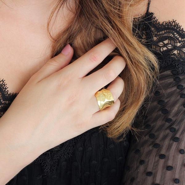 Statement ring in sterling silver with 18ct gold plating.