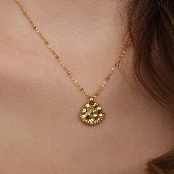 Horoscope necklace, in gold vermeil capricorn, taurus and virgo.