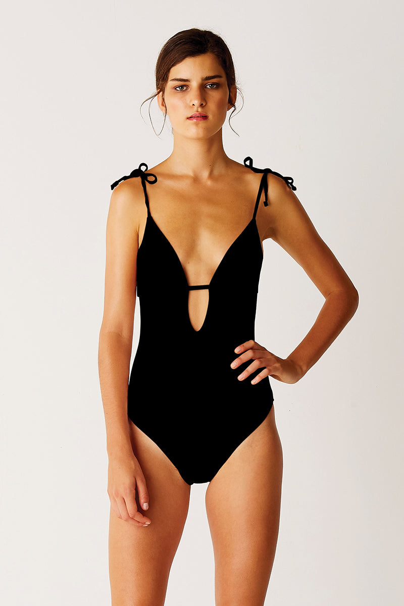 One Piece - Black