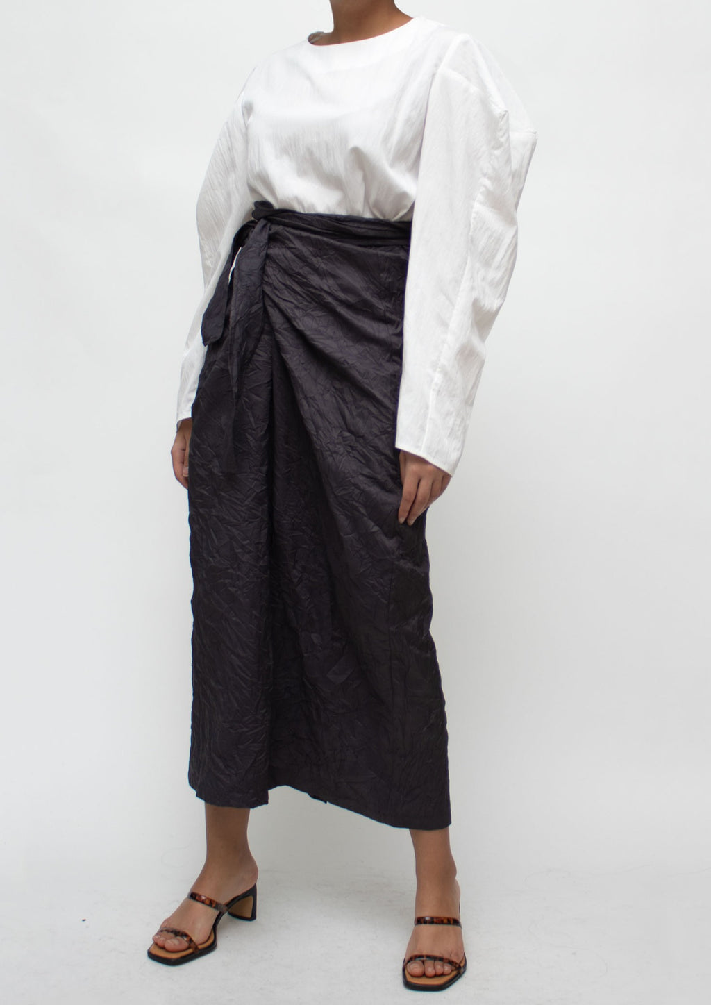 Wrinkle Texture Tied Midi Skirt in Grey