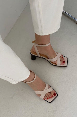 Hailey Sandals (Pe-order)