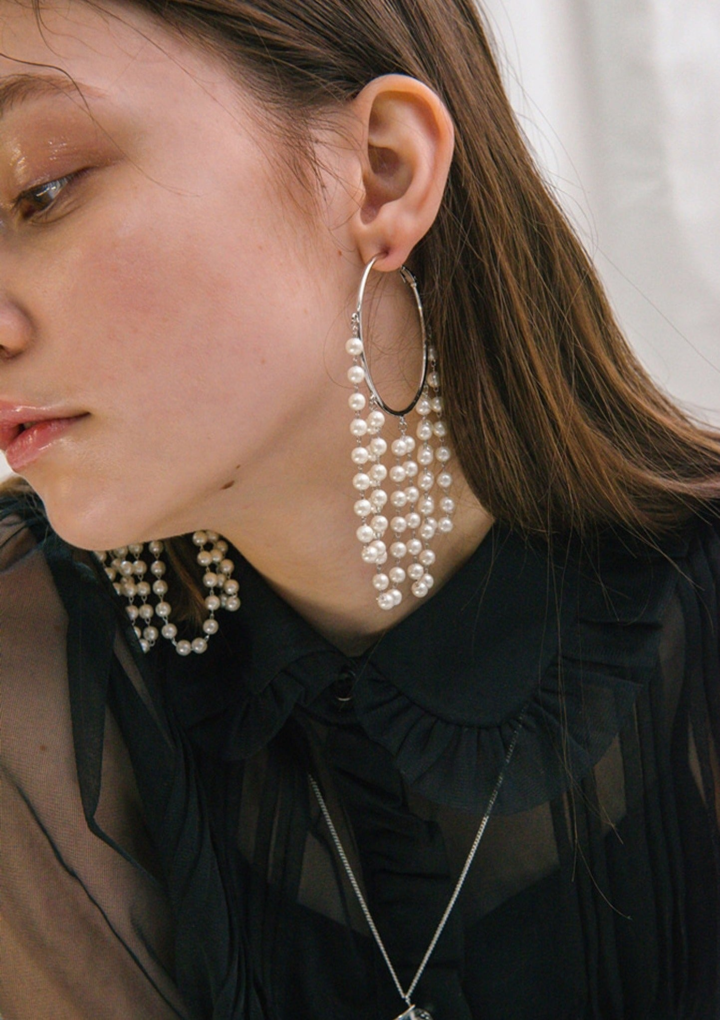 Faux pearl with blue details chandelier earrings free shipping