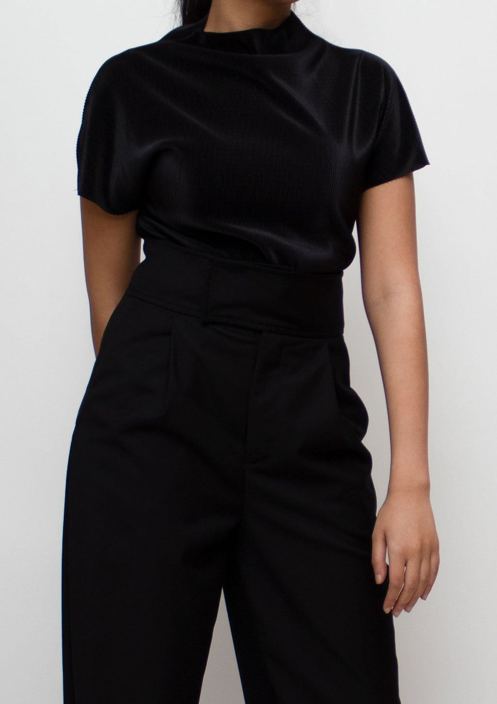 Black Pleats High Neck T-shirt