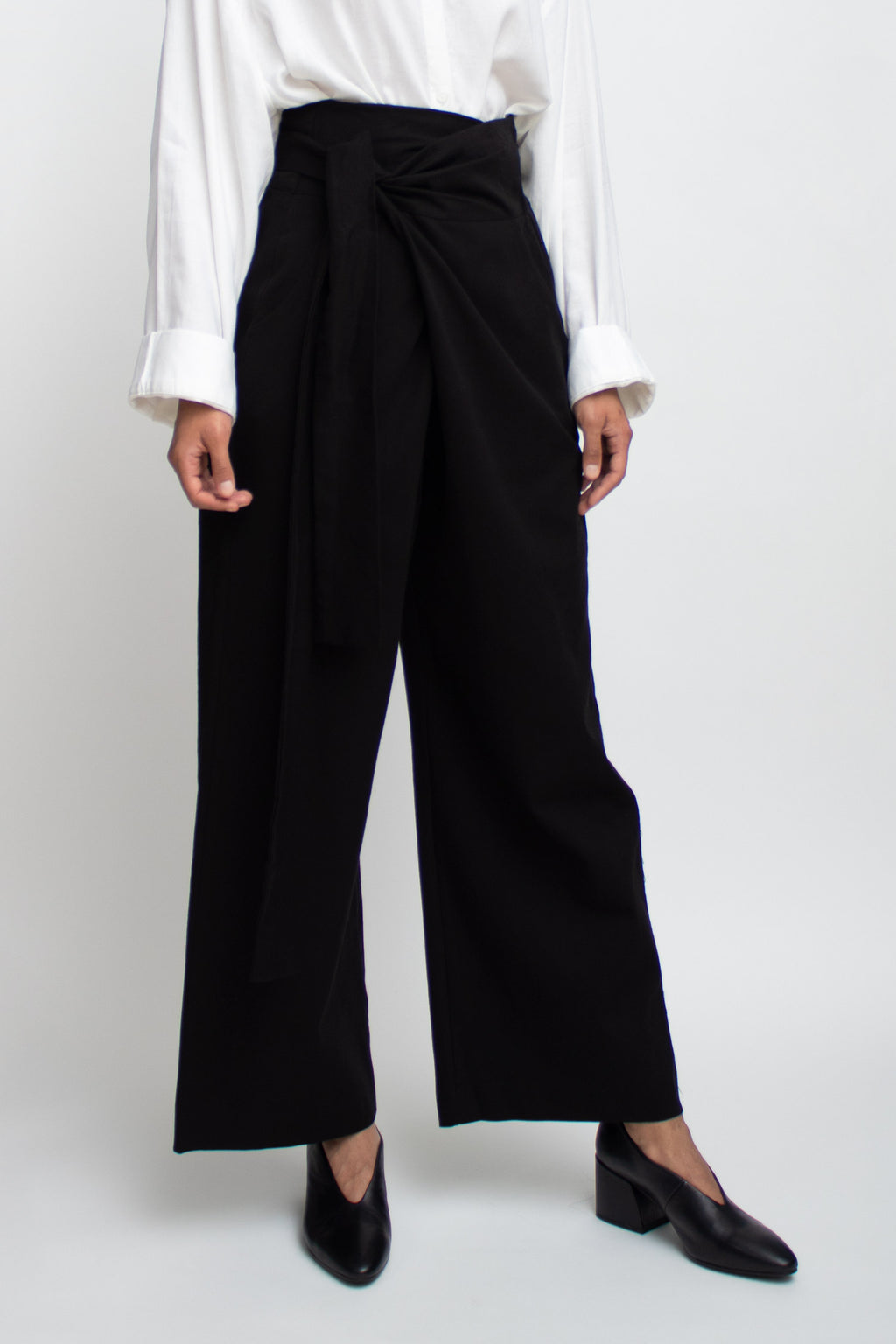 Black Tied High Waisted Wide Pants