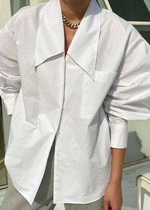 Oversized Low Collar Shirt in White