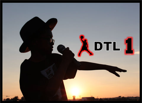 DTL Rocks The Mic