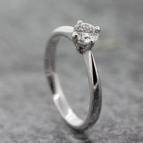Ladies 18ct white Gold  Nova lab Diamond Solitaire ring