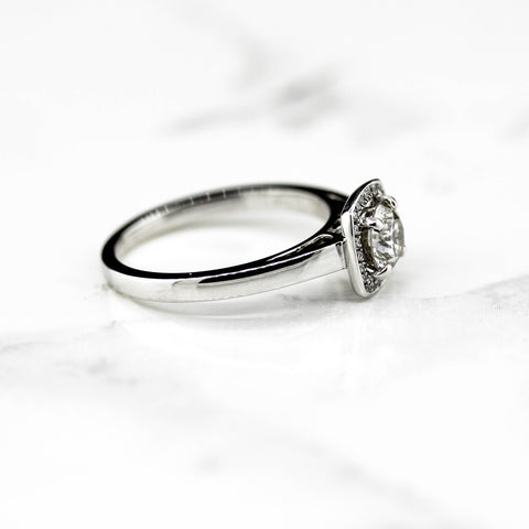 Bellissimo 18ct White Gold   Halo lab Diamond Ring