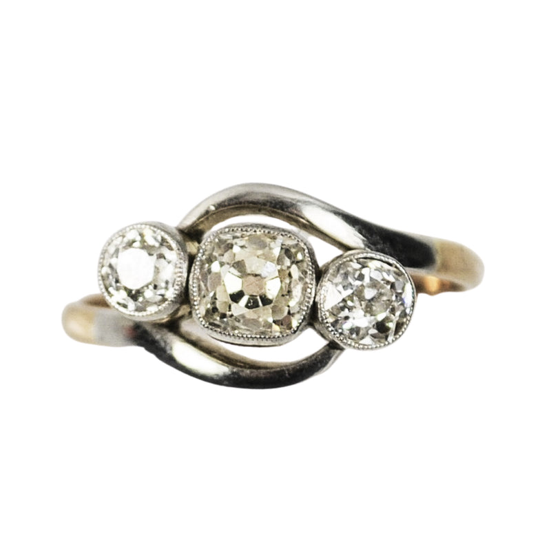 An Art Deco Three Diamond Ring