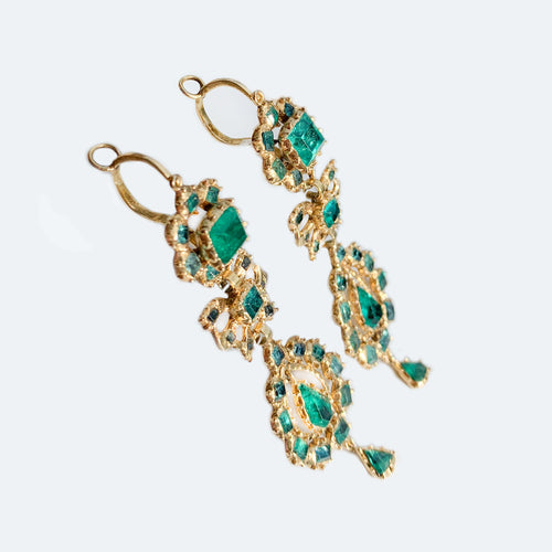 Iberian 18ct gold & emerald drop earrings c.1760