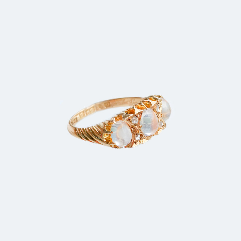 Victorian 15ct Gold Moonstone Ring