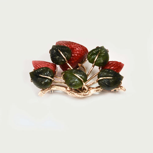 18ct Gold Coral & Nephrite strawberry brooch c.1950s