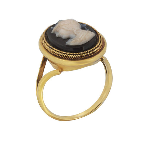 A Gold Cameo Ring