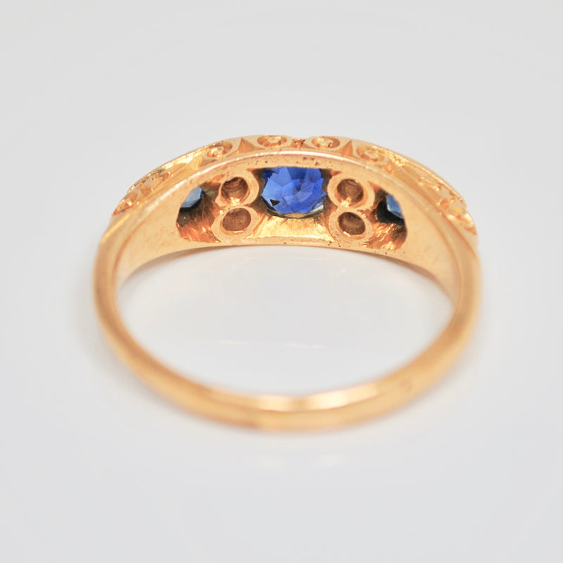 Edwardian three Sapphire & Diamond 18ct Gold ring
