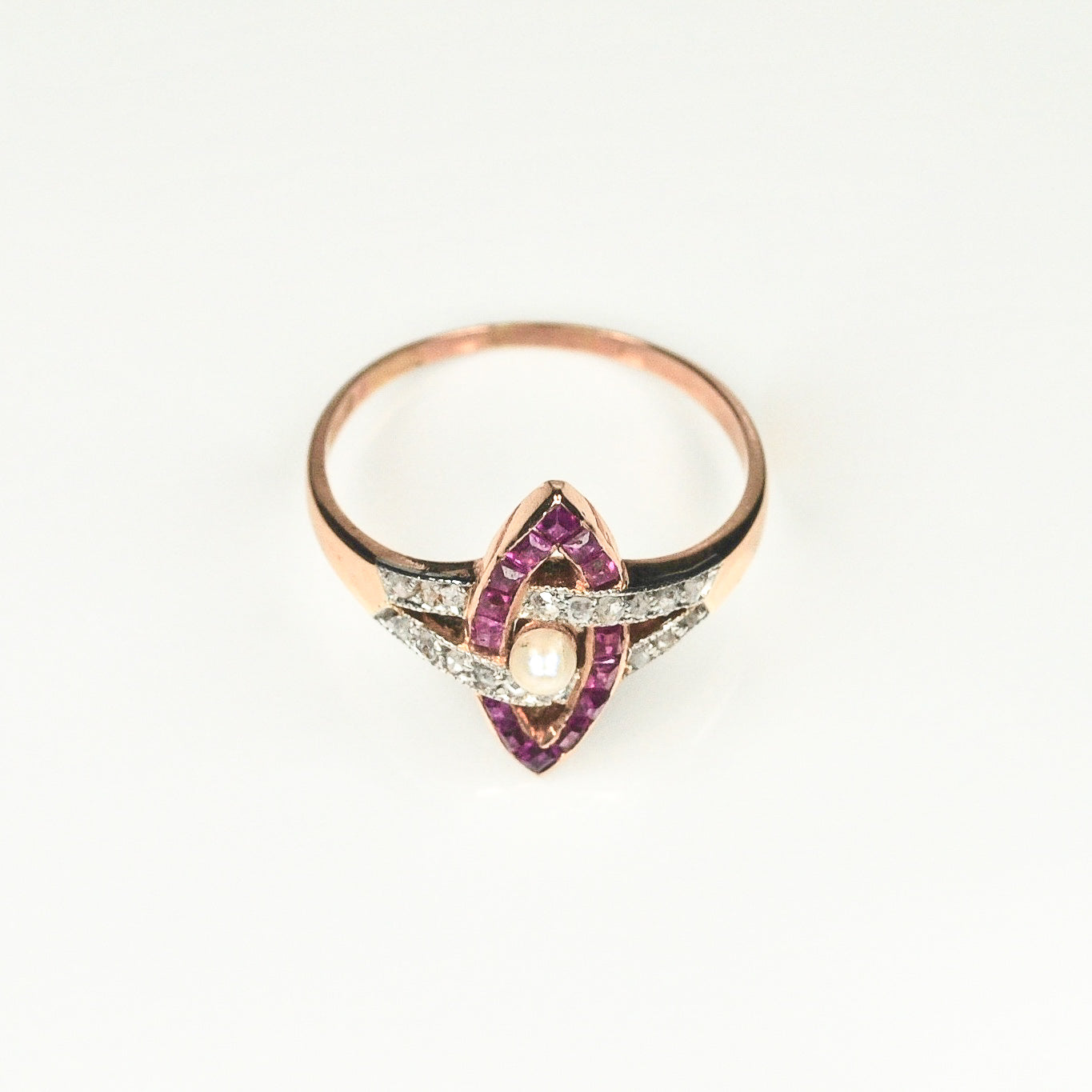 Art Deco Ruby & Diamond Interlinked Design Ring