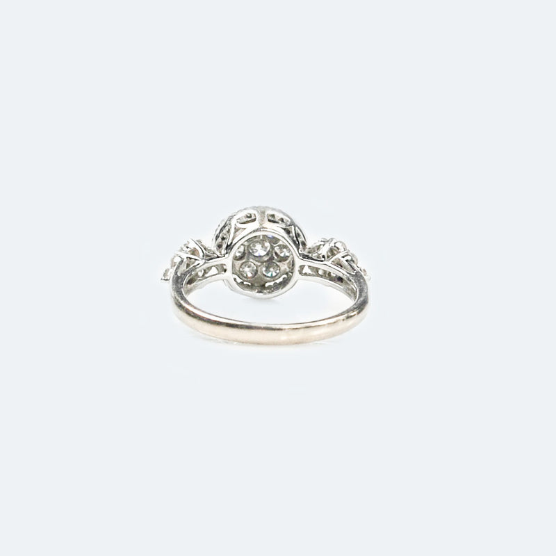 Modern Diamond daisy cluster 18ct Gold ring with Diamond shoulders
