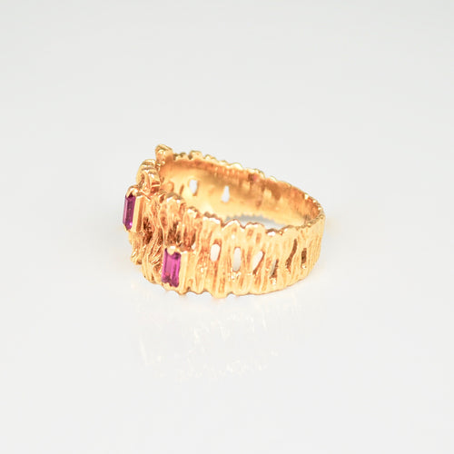 Mid-century modern three Ruby & 18ct Gold ring c.1960s