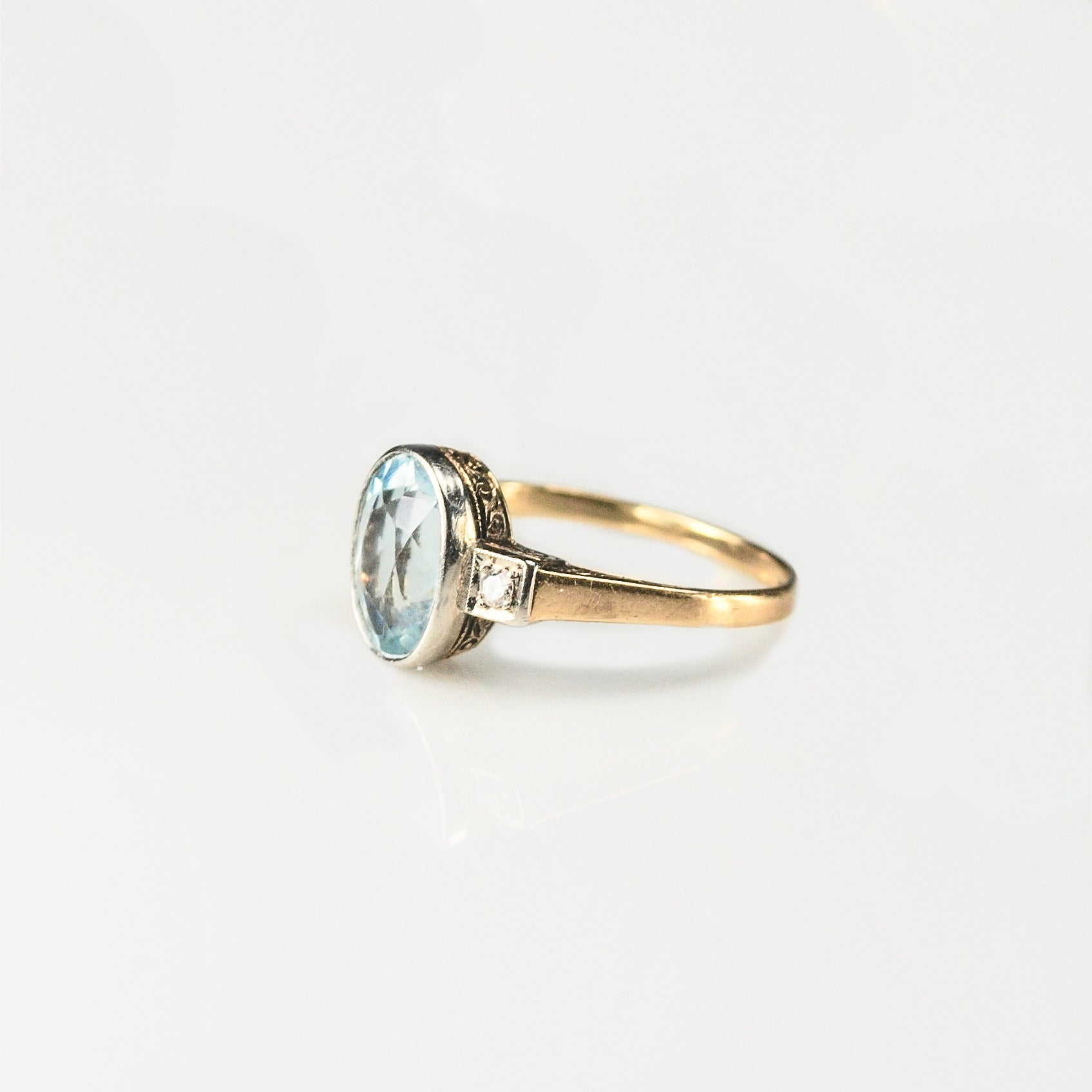 Art Deco Aquamarine, 14ct Gold ring with diamond shoulders c.1930s **SOLD**