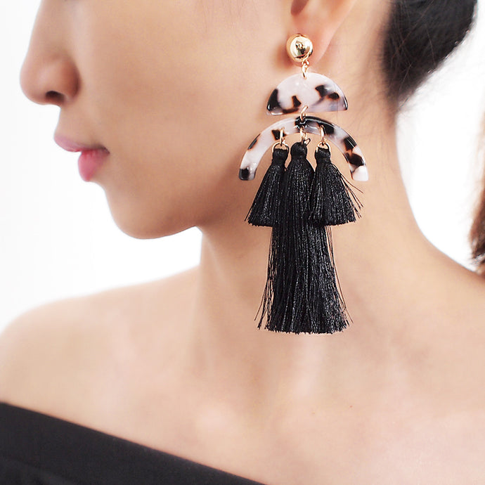 STATEMENT Celeb Gold Handmade Animal Black Long 4