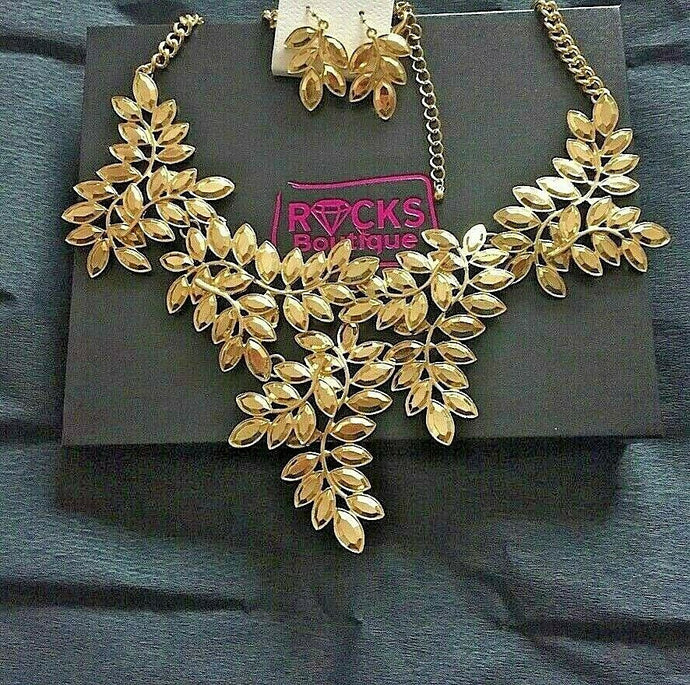 BEAUTIFUL Statement Gold Articulated Leaf Metal Bib Necklace Set