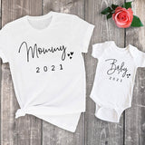 Funny Baby Mommy 2021 Family Matching Clothing Simple Pregnancy Announcement Family Look T Shirt Baby Mom Matching Clothes