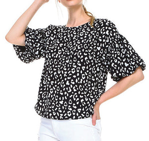 S/S Black Cheetah Print Top