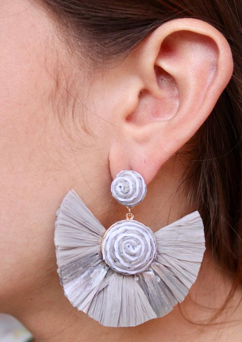 La La Land Gray Raffia Fan Tassel Earring