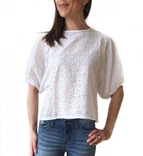 MR-Eyelet Balloon Sleeve Top