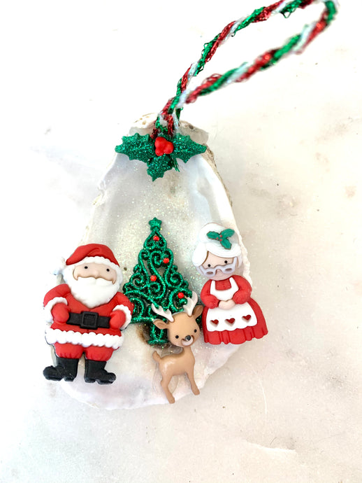 Mr/Mrs Claus Oyster Ornament