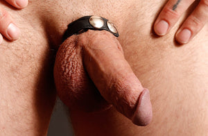 LEATHER C-RING, BLACK
