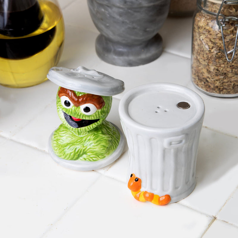 Sesame Street Oscar the Grouch Ceramic Salt & Pepper Shakers