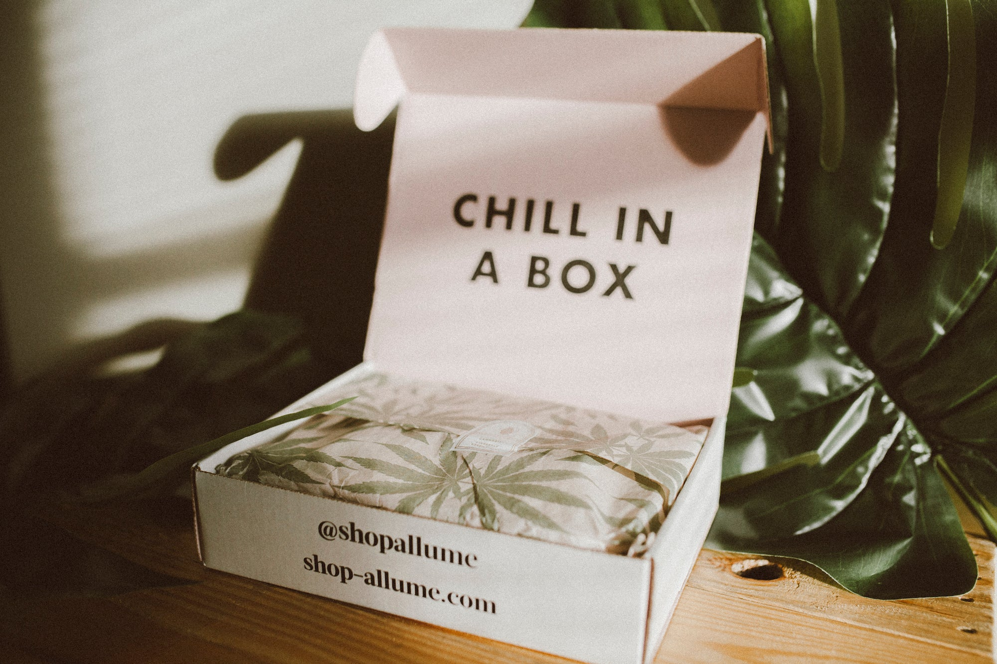 the chill box weed subscription box allume