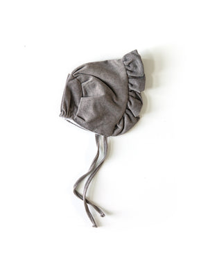 Ruffle Bonnet in Gray